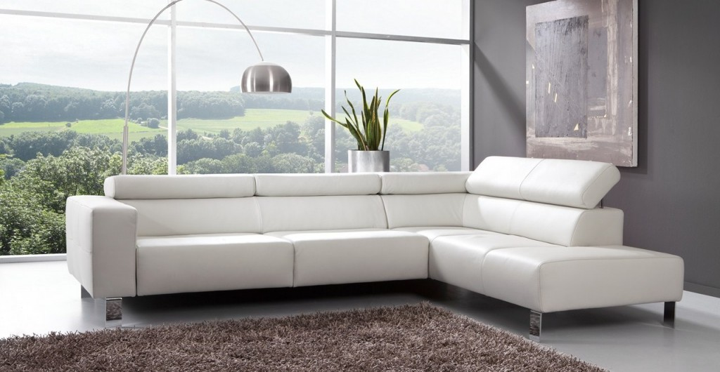 Le canape en cuir blanc pour une decoration epuree blog de for Nettoyage d un canape en cuir