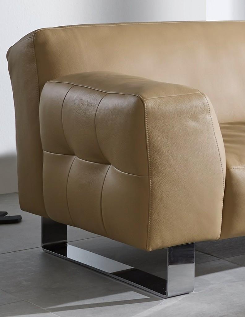 un cuir de qualite dans votre salon blog de seanroyale. Black Bedroom Furniture Sets. Home Design Ideas