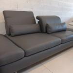 canape-3-places-flexo-coussins-cale-reins-cuir-gris