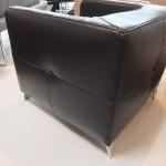 fauteuil-cubique-am-sugar-cuir-victory-chocolat