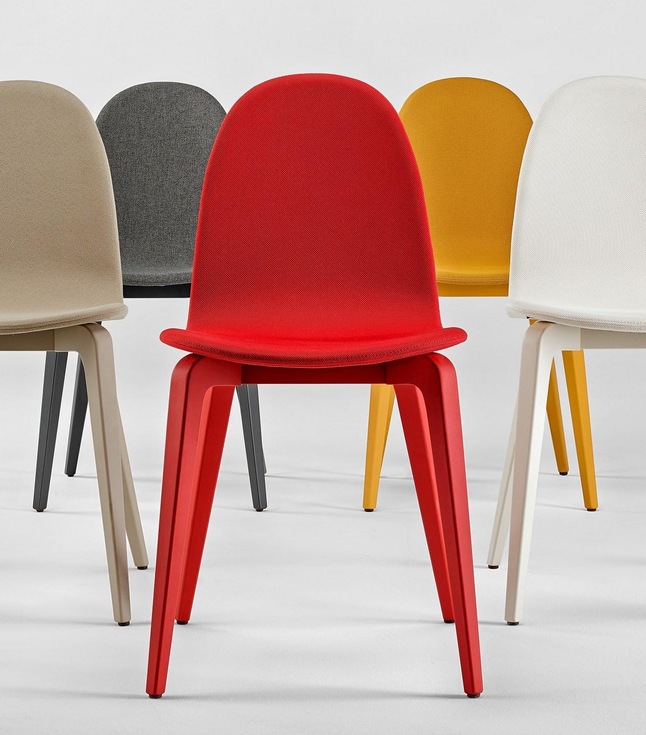 Seanroyale c 39 est aussi les chaises et fauteuils en tissu for Les chaises design