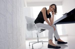 fauteuil-design-bureau-howie-special-cuir-blanc