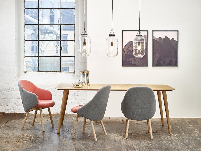 salon de milan quoi de neuf ton chaises et fauteuils nouveautes mobilier blog de seanroyale. Black Bedroom Furniture Sets. Home Design Ideas