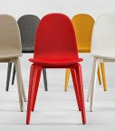 Bliss, chaises en hêtre tapissées tissu et laquées, par 4