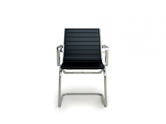 Chaise à accoudoirs LIGHT pieds luge cuir