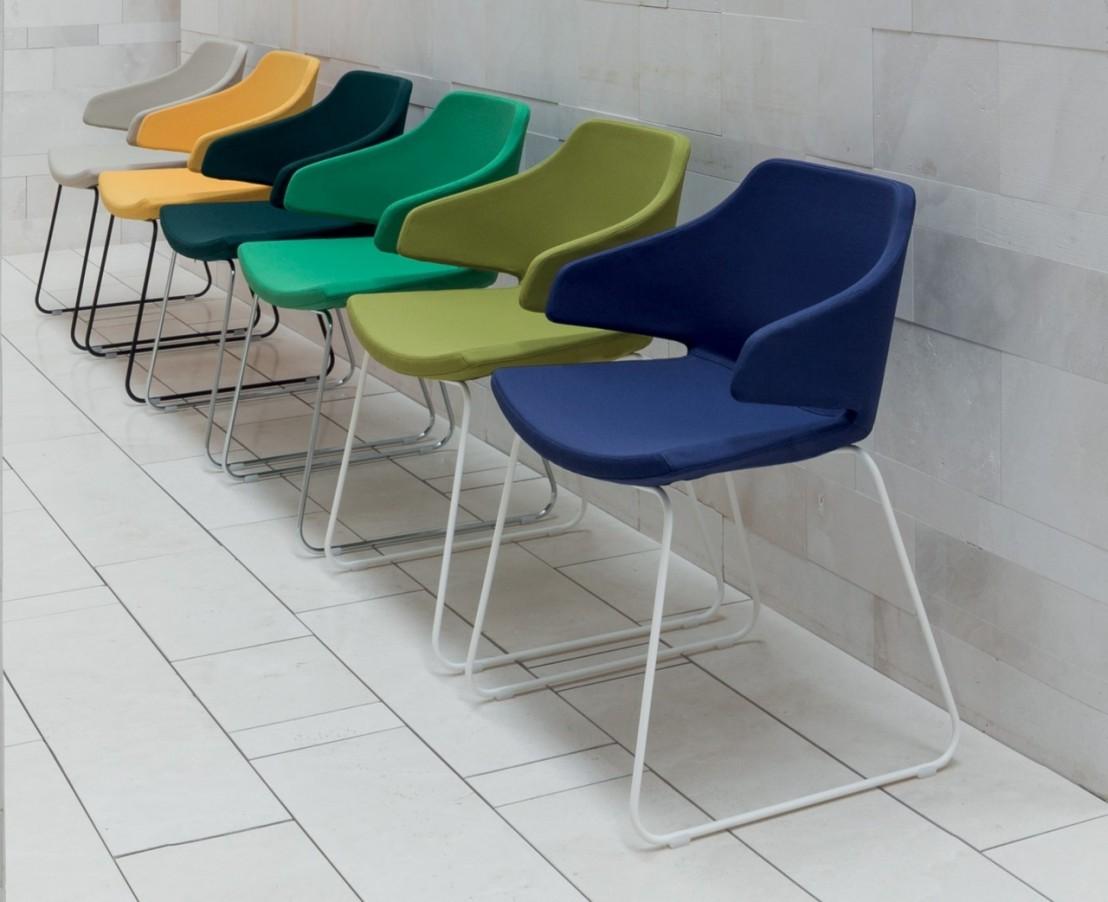 chaise visiteurs meraviglia luxy tissu livraison gratuite. Black Bedroom Furniture Sets. Home Design Ideas