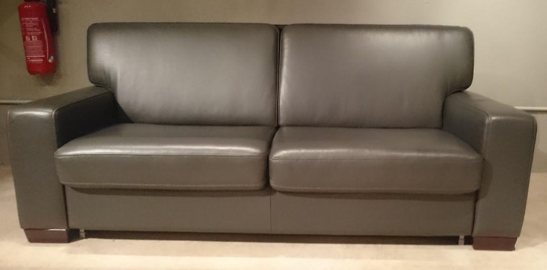 canap convertible cuir neuilly matelas 160 cm quotidien. Black Bedroom Furniture Sets. Home Design Ideas