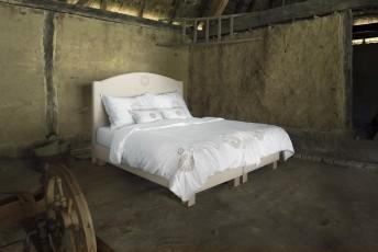 Lit complet 100% BIO DOVE tête de lit brodée + sommier + matelas PERFECT.SPRING.ROYAL VITALWOOD