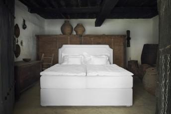 Lit BIO ROMANTIC complet tête de lit + sommier avec volants + matelas PRIME.SPRING.ROYAL VITALWOOD