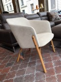 Fauteuil lounger Split design Arik LEVY tissu Alcantara Sea Sand & hêtre Brown sugar