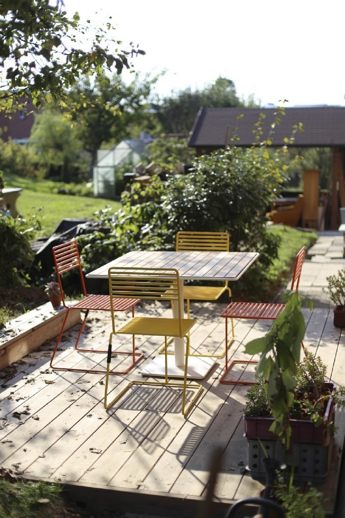 Ensemble de jardin table carr e 4 chaises bois et m tal tina egoe - Table jardin couleur rennes ...