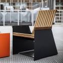 Petit fauteuil extérieur de terrasse RADIUM en métal aluminium de couleur et en bois massif