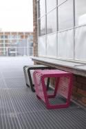 Tabouret extérieur ou table basse de terrasse LIMPIDO en métal acier de couleur