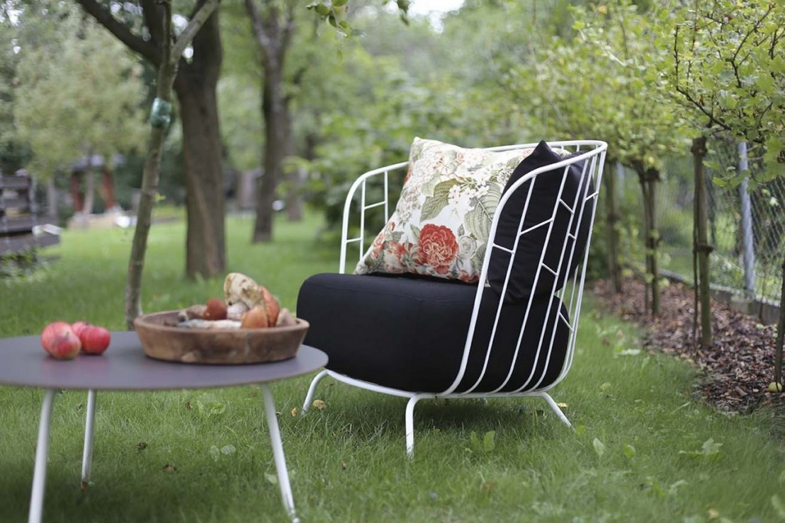 Salon de jardin design romantique en métal et tissu MAJ