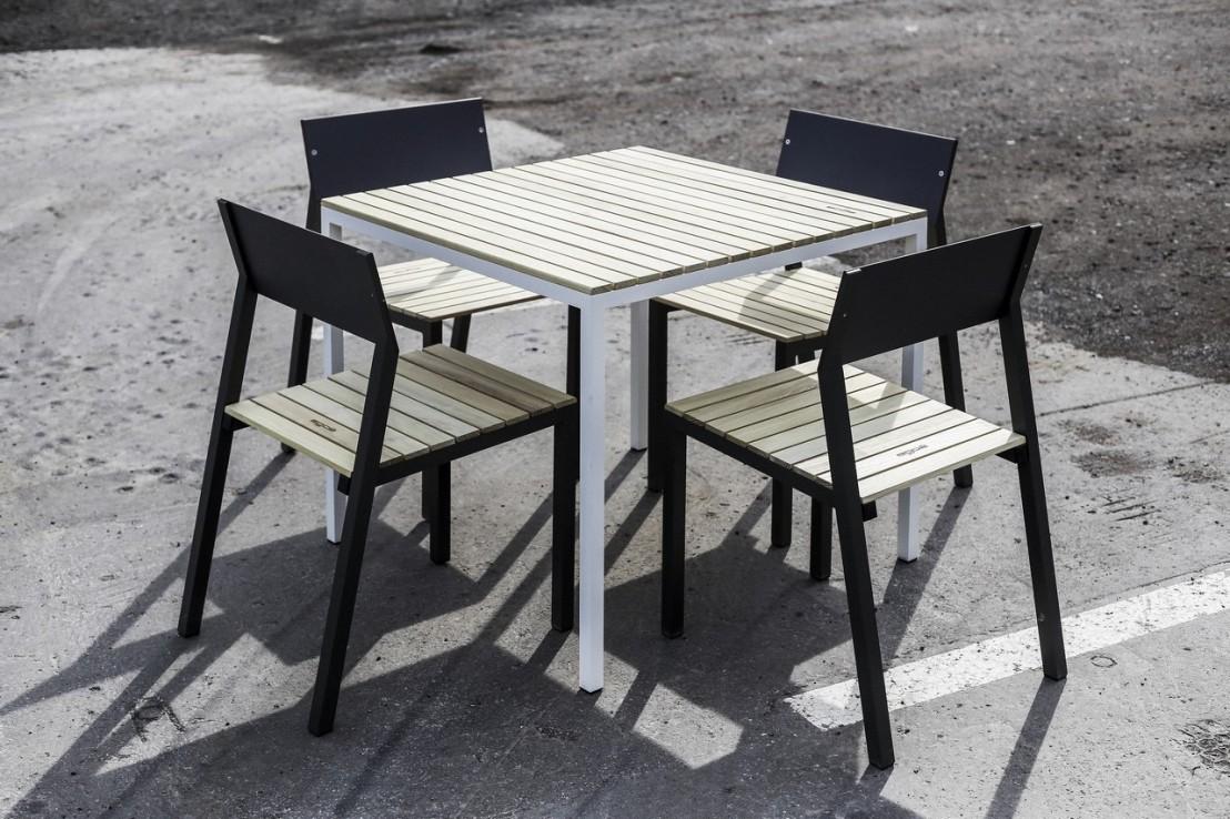 Ensemble repas CORA, table carrée et 4 chaises, métal aluminium de ...