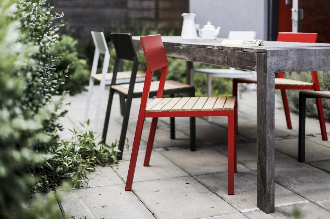 Ensemble repas CORA, table carrée et 4 chaises, métal ...