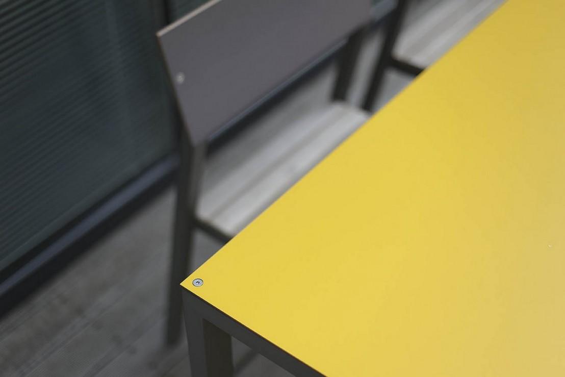 Salon de jardin cora table rectangle 175 cm et 4 chaises - Couleur de l aluminium ...