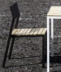 Spécial balcon, CORA, table carrée et 2 chaises, métal aluminium de couleur et bois massif