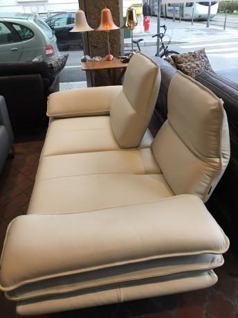 Canapé 2,5 places ALWIN.C profondeur réglable cuir Skin Miami