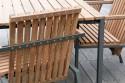 Petit fauteuil extérieur de terrasse AXIS en métal acier de couleur et bois massif