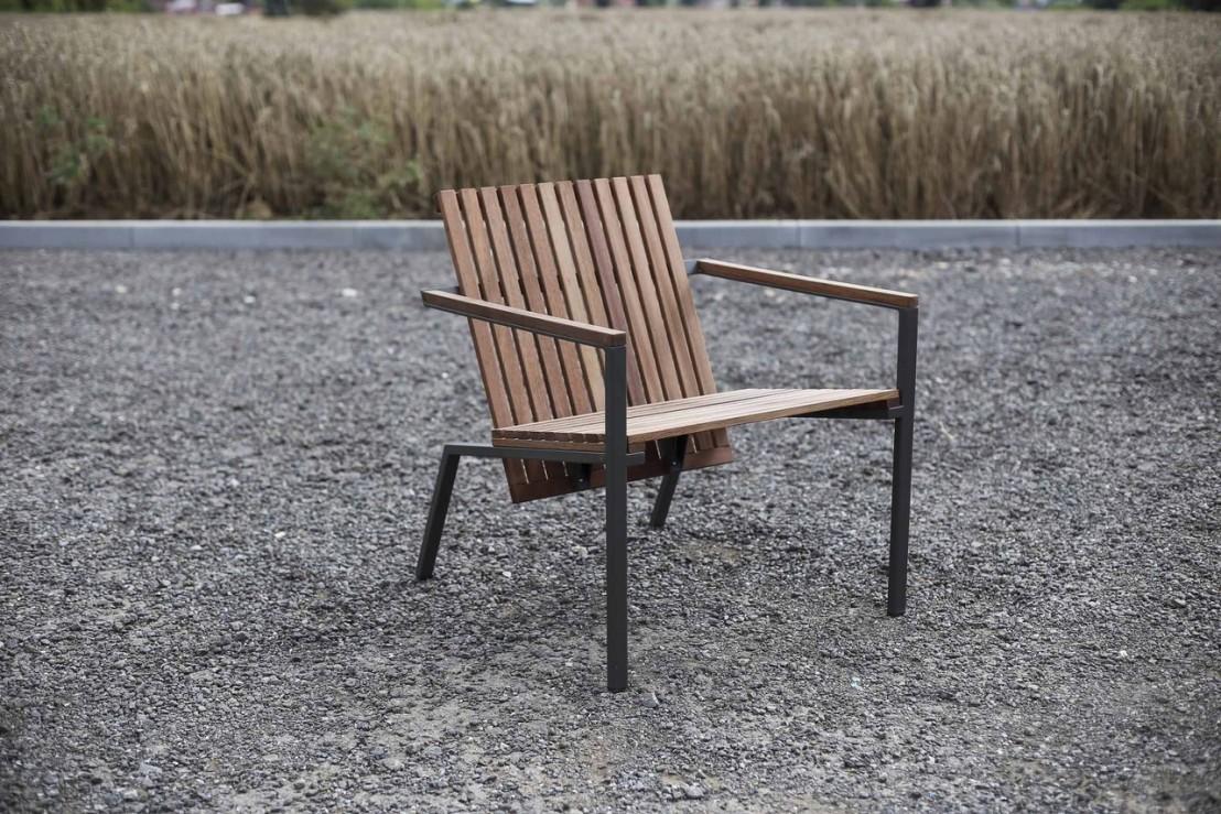 fauteuil lounge ext rieur de terrasse axis en m tal acier de couleur et bois massif seanroyale. Black Bedroom Furniture Sets. Home Design Ideas