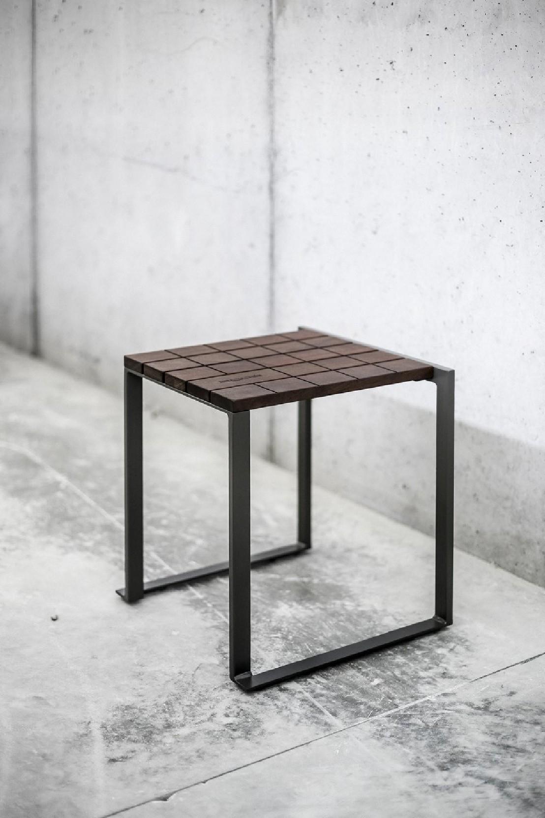tabouret ext rieur de jardin bistrot en bois massif et acier de couleur seanroyale. Black Bedroom Furniture Sets. Home Design Ideas