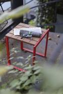 Tabouret extérieur de jardin BISTROT en bois massif et acier de couleur