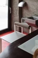 Tabouret de bar avec dossier extérieur de jardin BISTROT en acier de couleur et assise HPL de couleur