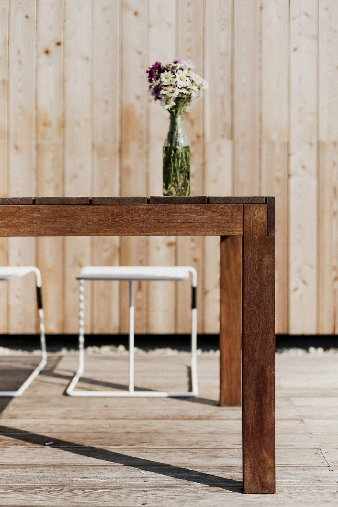 grande table de jardin rectangulaire sena 220 cm en bois massif d ip seanroyale. Black Bedroom Furniture Sets. Home Design Ideas