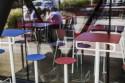 Table de bar extérieur de jardin BISTROT BAR carrée en acier de couleur et plateau HPL de couleur