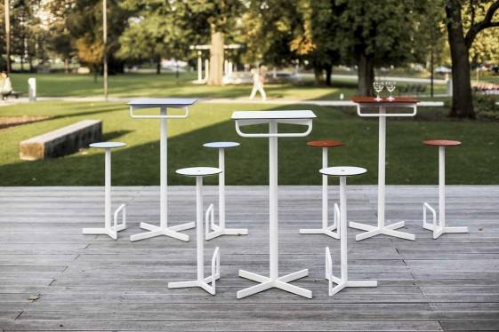 Tabouret de bar extérieur de jardin BISTROT BAR en acier de couleur et assise HPL de couleur, lot de 2