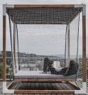 Lit suspendu de jardin à Baldaquin LÉVA en bois massif et acier d'extérieur