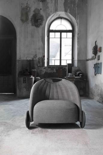 Petit fauteuil BIGA design dossier bas en tissu