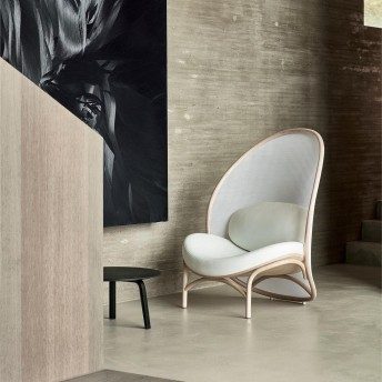 Fauteuil CHIPS TON design Lucie KOLDOVA cuir Prince ou MDR