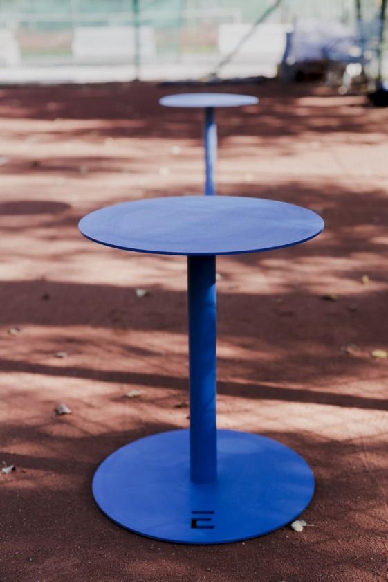 Pouf ou petite table de jardin terrasse design en métal SPULKA