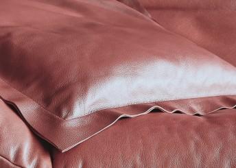 Coussin cuir carré design en plumes duvet ou synthétique