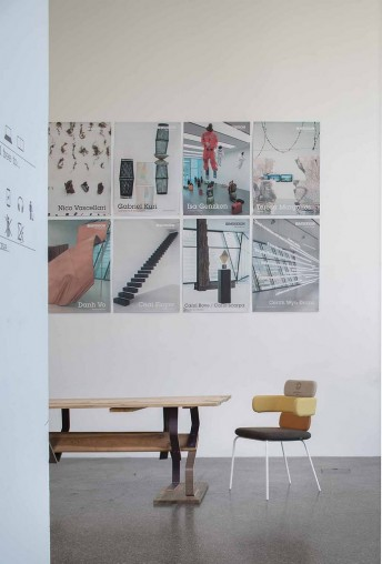 Chaises dossiers haut & accoudoirs CLUSTER LUXY 4 pieds par 2