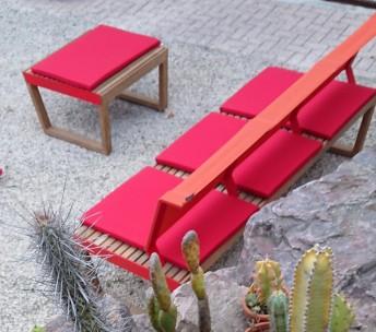 Ensemble banquette + pouf table de jardin en bois BARKA