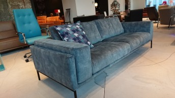 Canapé 3 places accoudoirs larges WYATT.JNR velours Velvet Vintage Niagara
