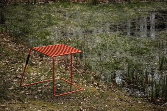 Tabouret extérieur de jardin TINA en métal acier de couleur