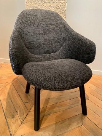 Fauteuil lounge ALBA, en hêtre black grain tissu bicolore Walker