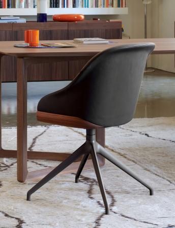Chaise pivotante LYZ base noyer ou frêne tapissée cuir, tissu ou nubuck daim
