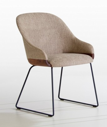 LYZ chaise pieds luge métal base assise bois de noyer ou frêne POTOCCO