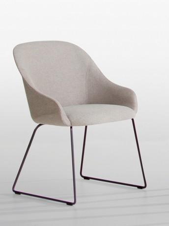 Chaise design LYZ pieds luge tapissage intégral