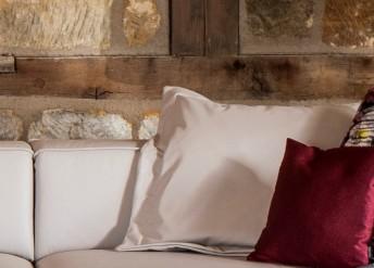 Grand coussin plat carré 68 x 68 cm en cuir ou tissu