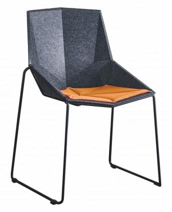 BLACKONYXre chaises en plastique recyclé empilable