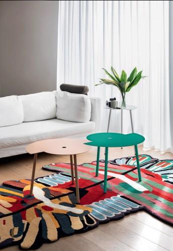 Petite table basse de forme originale en métal de couleur CRONO, LUXY